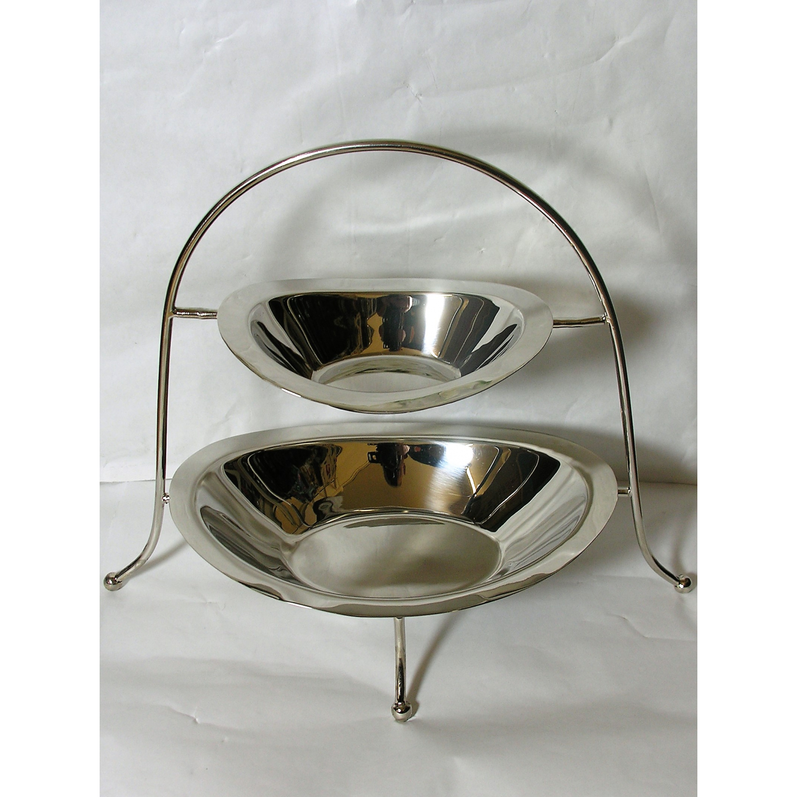 Schale Obstschale auf Stand Etagere aus Aluminium Silber von Impressionen NEU